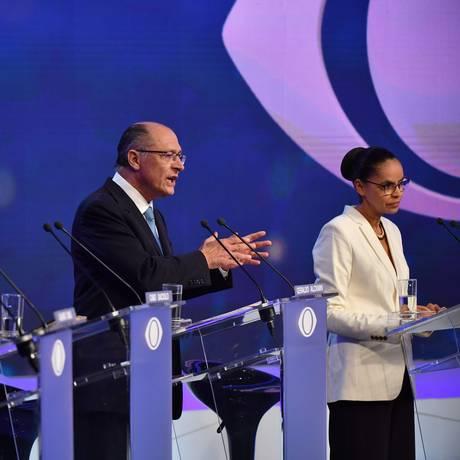 Alckmin participa do debate entre Álvaro Dias (Podemos), Cabo Daciolo (Patriota) e Marina Silva (Rede): candidato do PSDB foi alvo preferido de presidenciáveis Foto: NELSON ALMEIDA / AFP