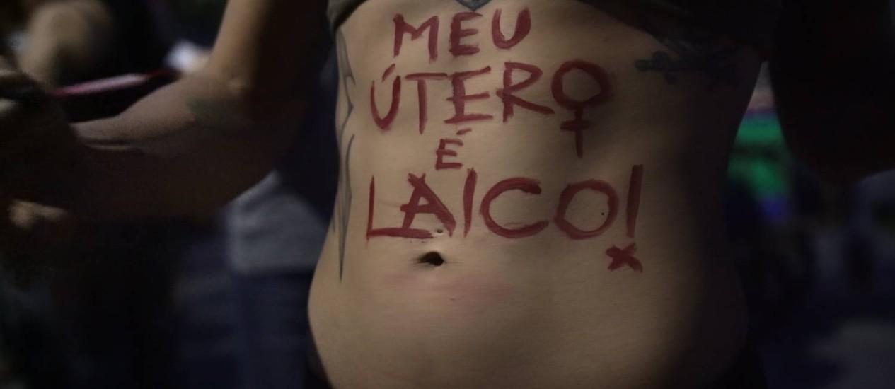 Cena do episódio sobre o aborto, um dos dez da série que estreia nesta segunda Foto: Divulgação / Divulgação