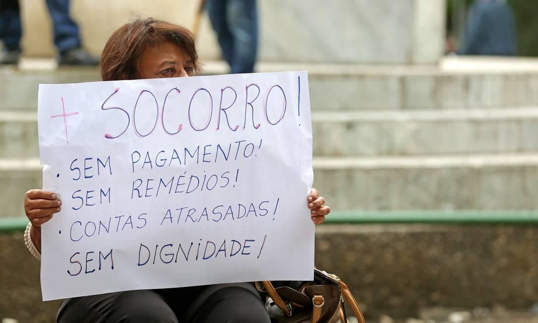 Protesto de servidores no Rio: governo do estado deixou parte de seus aposentados sem receber por três meses seguidos em 2017 Foto: Márcio Alves / Márcio Alves/13.6.2017