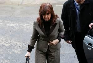 Cristina Kirchner chega para depor em Buenos Aires Foto: AGUSTIN MARCARIAN / REUTERS