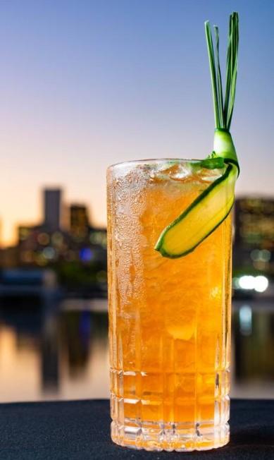 Cítrico. O Gauguin, do Soho, leva rum escuro, aperol, angostura de laranja, suco de limão-siciliano, capim-limão, xarope de açúcar e pepino (R$ 24) LipeBorges / Divulgação