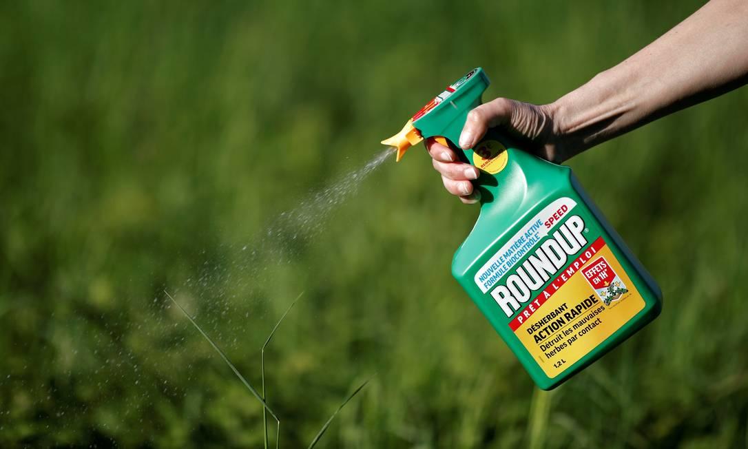Roundup é um dos agrotóxicos mais populares do mundo Foto: Benoit Tessier / REUTERS