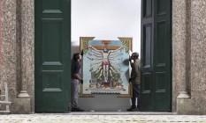 """Quadro """"Cruzando Jesus Cristo com Deusa Shiva"""", que integra a exposição """"Queermuseu"""", no Parque Lage Foto: Ana Branco / Agência O Globo"""