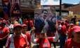 Apoiadores de Maduro marcham em Caracas Foto: FEDERICO PARRA / AFP