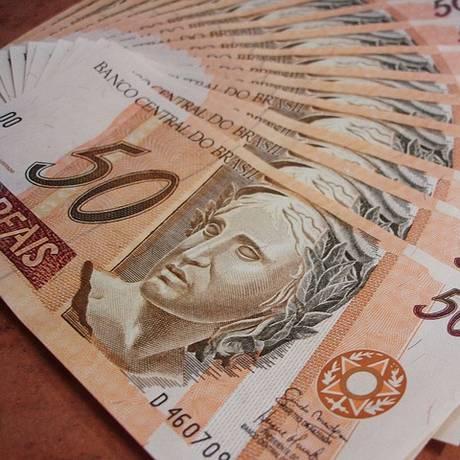 Especialistas indicam que a primeira medida a ser tomada com o dinheiro do PIS/Pasep é quitar dívidas Foto: Pixabay