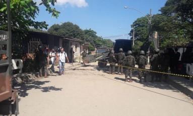 Militares durante operação em Santa Cruz, na Zona Oeste Foto: Divulgação/CML