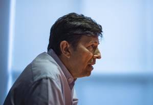 O candidato do Novo à Presidência, João Amoêdo, durante entrevista Foto: Alexandre Cassiano/Agência O Globo/06-08-2018