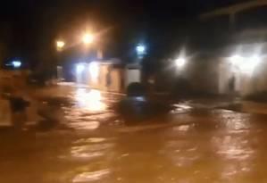 Uma das ruas que foi inundada Foto: TV Globo / Reprodução