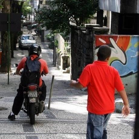 Clientes de bancos devem ficar atentos para a fraude Foto: Arquivo - Agência O Globo