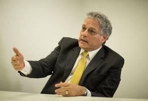 João Vicente Goulart, candidato do PPL, durante entrevista Foto: Brenno Carvalho/07-06-2018
