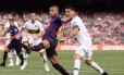 Rafinha fez um belo gol na vitória do Barcelona Foto: AFP