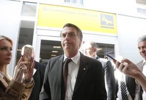 Bolsonaro desembarca no Aeroporto de Congonhas, em São Paulo Foto: Marcos Alves / Agência O Globo