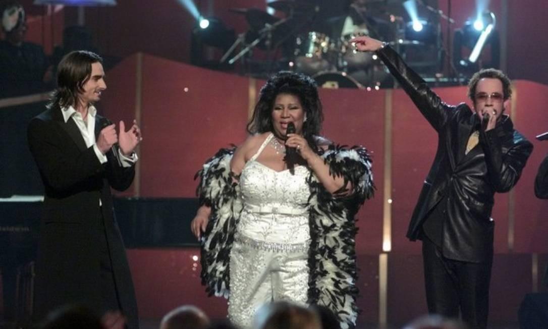 A diva em performance com Kevin Richardson e A.J. McLean, dos Backstreet Boys Foto: Suzanne Plunkett / AP Photo/