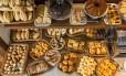 Pães costumam oferecer carboidratos de boa qualidade quando contêm cereais e grãos integrais Foto: Lipe Borges / Divulgação