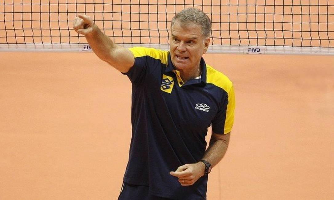 O treinador de vôlei Bernardinho Foto: Márcio Alves / O Globo