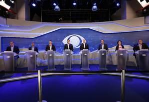 Oito candidatos participam do primeiro debate no Rio Foto: Marcio Alves / Agência O Globo