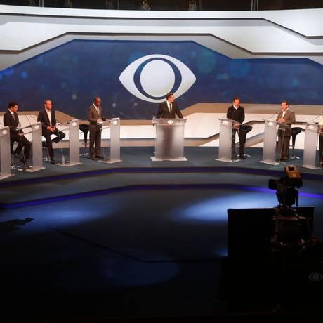 Segurança dominou o primeiro debate entre candidatos do governo do Rio Foto: Márcio alves