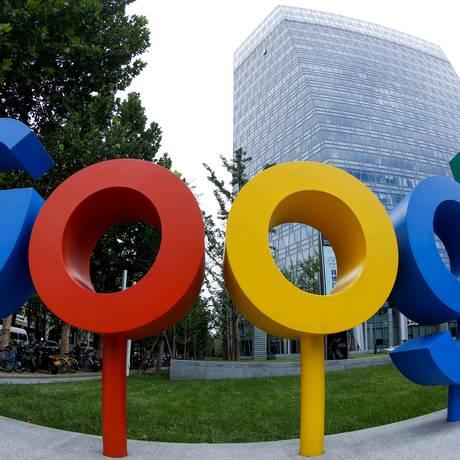 Google está desenvolvendo sistema de buscas que aceita as regras impostas pelo governo chinês Foto: Thomas Peter / REUTERS