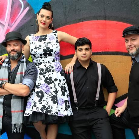 Atração do dia. A banda Bloody Mary se apresenta a partir das 18h30m Foto: Roberto Moreyra / Roberto Moreyra