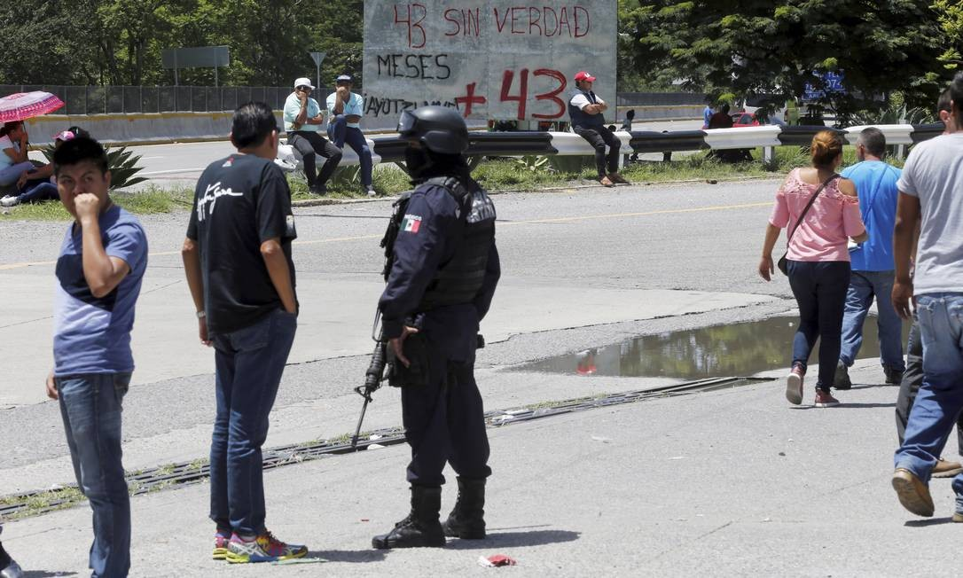 Carretera 95, em uma das saídas da cidade de Chilpancingo, palco de confrontos e mortes Domingos Peixoto / Agência O Globo