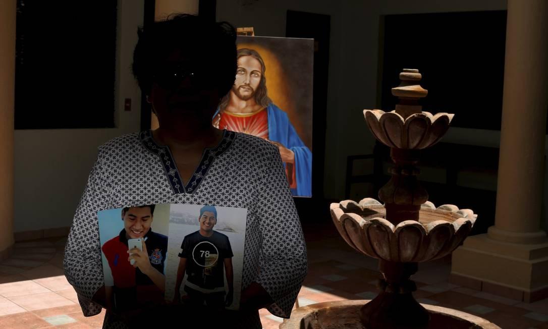 Patricia Retana procura pelo filho José Ismael, sequestrado em agosto de 2017 Domingos Peixoto / Agência O Globo