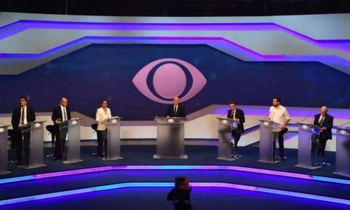 O debate realizado pela TV Bandeirantes, no dia 9 de agosto Foto: AFP