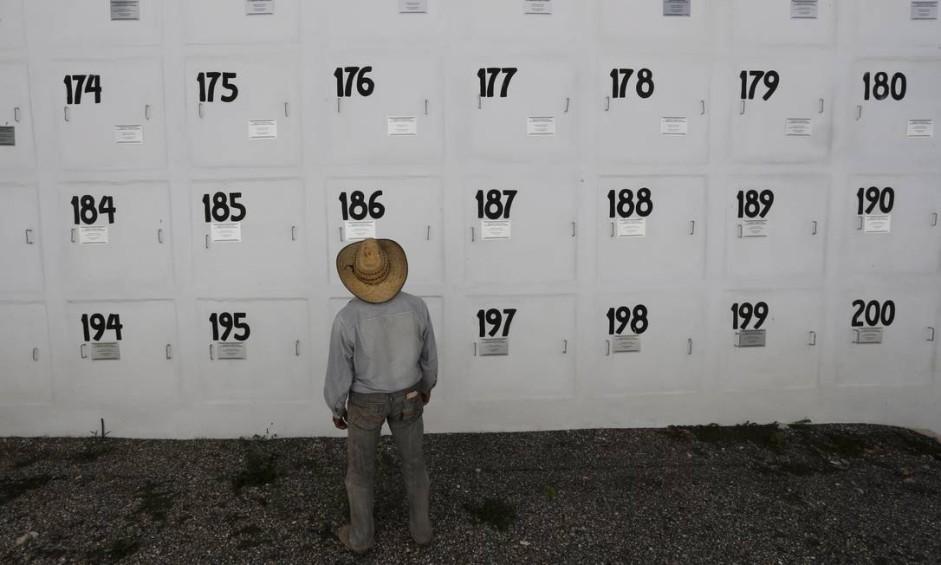 Cemitério para enterro de corpos não identificados em Chipancilgo Foto: Domingos Peixoto / Agência O Globo