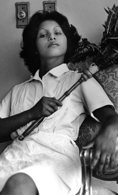 'Edita (la del plumero)' (1978-1979), da panamenha Sandra Eleta Foto: Divulgação