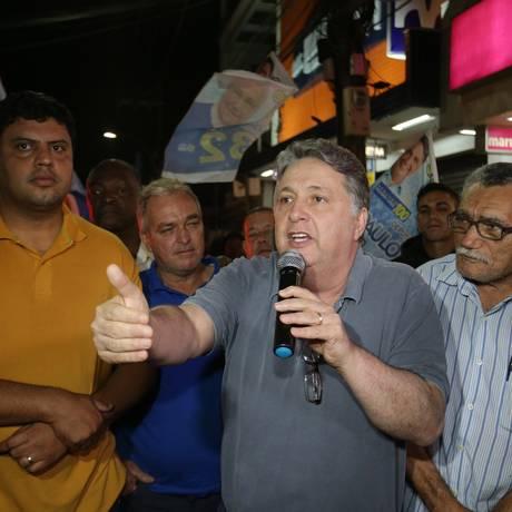 Garotinho fez um breve discurso em Queimados Foto: Marcio Alves / Agência O Globo