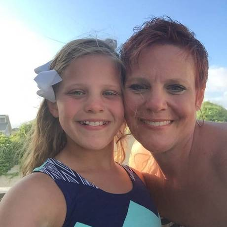 Dianne Grossman e a filha Mallory, que era vítima de bullying Foto: Divulgação / Arquivo pessoal