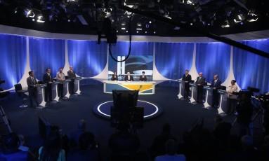 Debate de candidatos à Presidência da República na Rede TV Foto: Marcos Alves / Agência O Globo