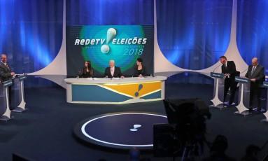 """Presidenciáveis se reúnem em segundo debate televisivo, feito em parceria pela """"RedeTV!"""" e """"Istoé"""" Foto: PaulO Whitaker / REUTERS"""