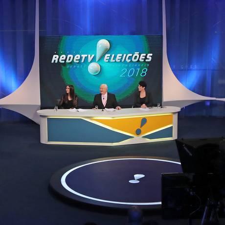 Presidenciáveis se reúnem em segundo debate televisivo, feito em parceria pela