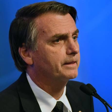 Jair Bolsonaro (PSL) é favorável ao armamento da população Foto: NELSON ALMEIDA / AFP