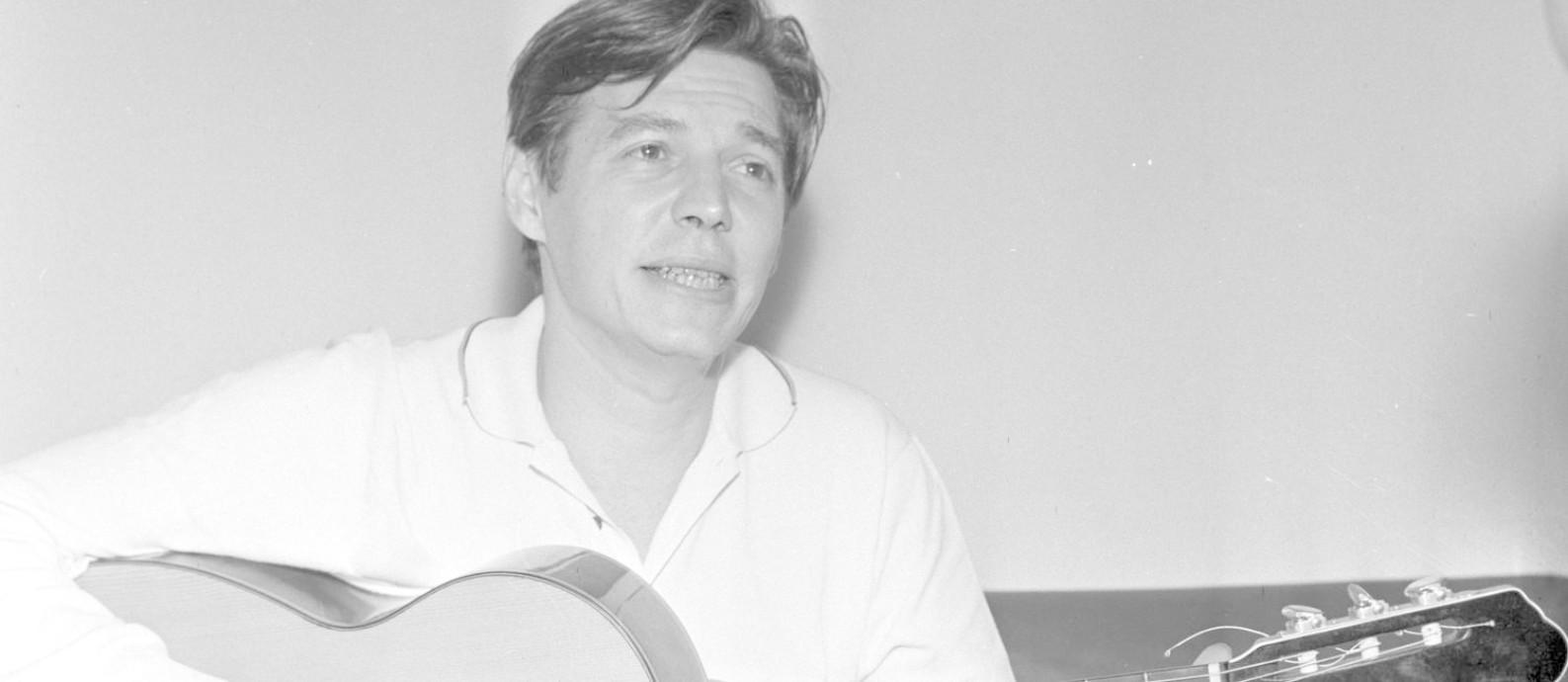 Tom Jobim em foto de 1964 Foto: Arquivo