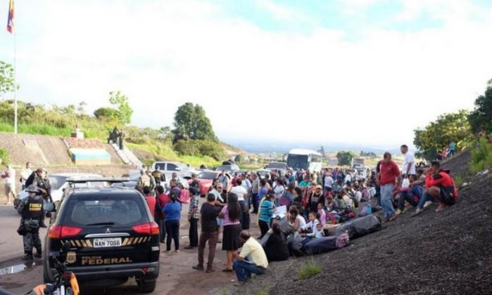 Venezuelanos retidos na fronteira entre Brasil e Venezuela Foto: Inaê Brandão/G1 / Agência O Globo