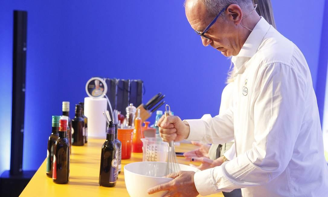 Aula do Rio Gastronomia quebra mitos sobre o azeite Foto: Nelson Perez/Luminapress / Agência O Globo