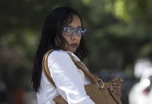 Vítima. Gisele Marinho teve a bolsa roubada, mas tinha seguro. Ficou satisfeita e refez a apólice Foto: Márcia Foletto