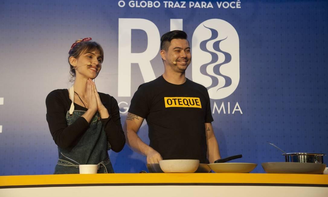 Nathalie Passos e Alberto Landgraf conquitaram a plateia com originais receitas vegetarianas Foto: Adriana Lorete / Agência O Globo