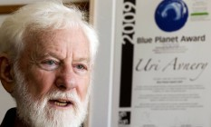 Uri Avnery em 2011: jornalista e pacifista que marcou relação de Israel com Palestina morreu nesta segunda-feira, aos 94 Foto: JACK GUEZ / AFP