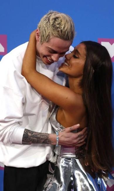 O casal Pete Davison and Ariana Grande estavam no maior romance ANDREW KELLY / REUTERS