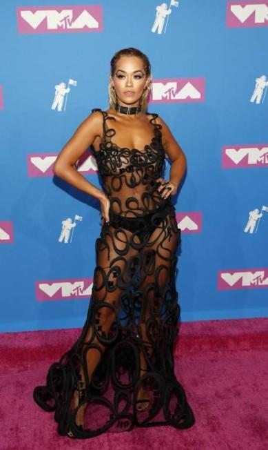 Rita Ora investiu nas transparências ANDREW KELLY / REUTERS