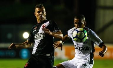 Vasco e Ceará fizeram um jogo tenso em São Januário Foto: Marcelo Regua / Agência O Globo