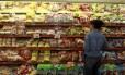 Alta do dólar impacta no preço do trigo e faz valor de pães e biscoitos subirem Foto: Urbano Erbiste / Agência O Globo