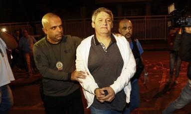 Paulo Maurício Barros Pereira, suspeito de matar Karina Garofalo, chega à DH, na Barra da Tijuca Foto: Uanderson Fernandes / Agência O Globo