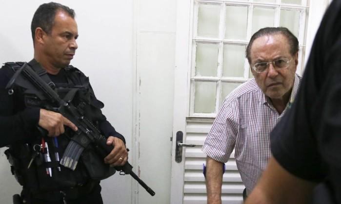 O ex-deputado Paulo Maluf quando chegava ao IML em Brasília, em dezembro de 2017 Foto: Givaldo Barbosa / Agência O Globo