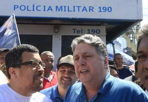 Garotinho (PRP) fez campanha em São Gonçalo nessa quinta (23) Foto: Roberto Moreyra / Agência O Globo