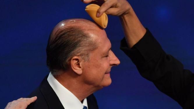 Geraldo Alckmin antes do debate na Rede Bandeirantes de TV. O imobilismo do candidato nas pesquisas enerva seus aliados Foto: Nelson Almeida / AFP/Getty Images