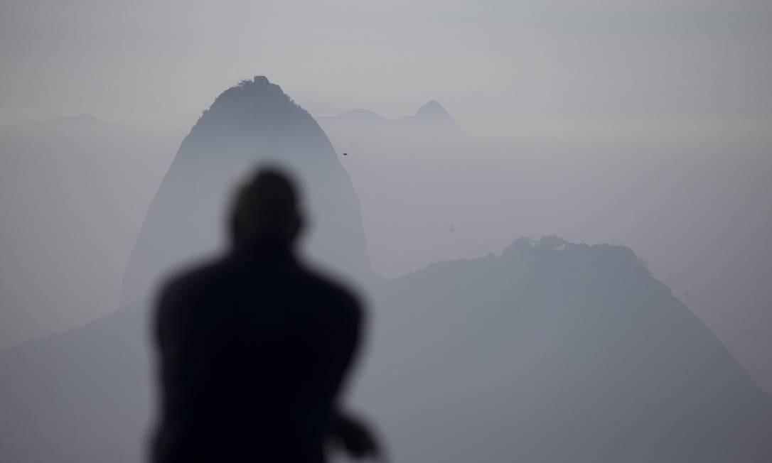 Após a formação de névoa no início da manhã desta quinta-feira Foto: Márcia Foletto / Agência O Globo
