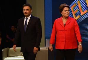 Aécio Neves e Dilma Rousseff, em debate presidencial em 2014 Foto: Christophe Simon/AFP/26-10-2014